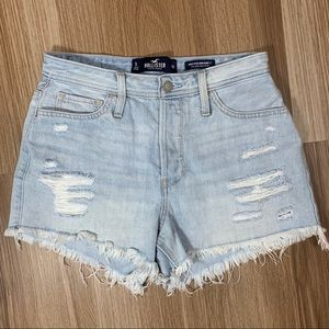 HOLLISTER Ripped High-Rise Mom Shorts Size 3 w26
